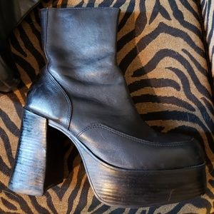 Steve Madden Black Leather Platform Ankle Boots